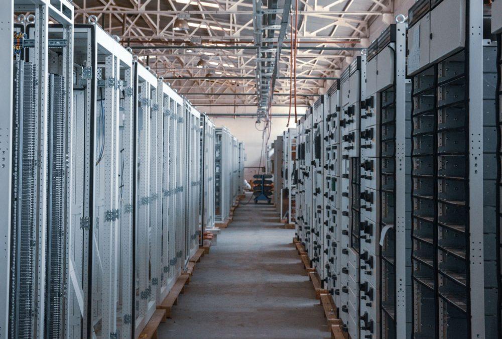 Enabling focus on hardware sales